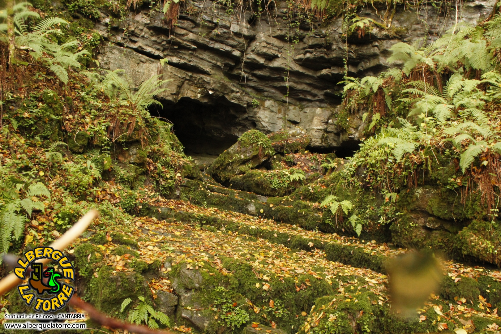 Entrada de la cueva Juan Marin santiurde de Reinosa