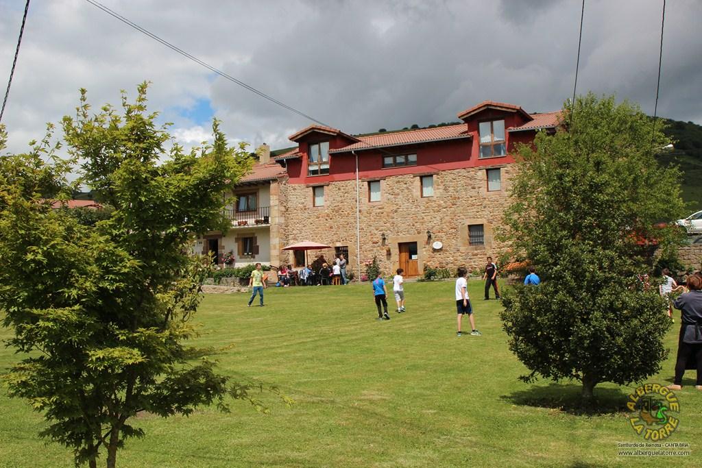 Albergue-la-torre-jardin1