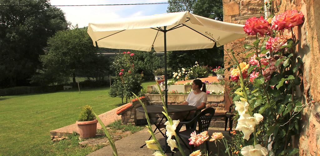 Albergue-la-torre-slider-jardin2