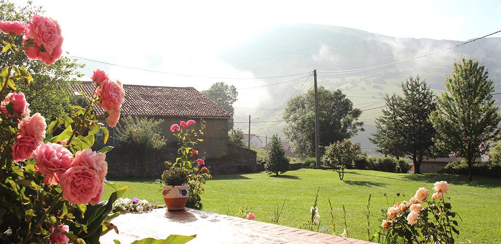 Albergue-la-torre-slider-jardin4